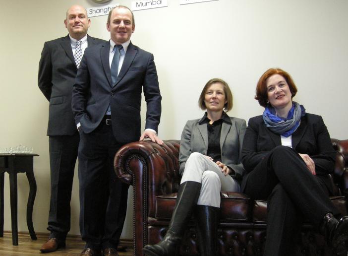 Gruppenfoto mit allen vier Ansprechpartnern